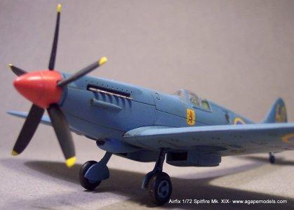 Airfix_Spitfire_MkXIX-5