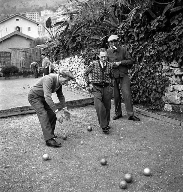 Joueurs de pétanque, Monaco, vers 1950)