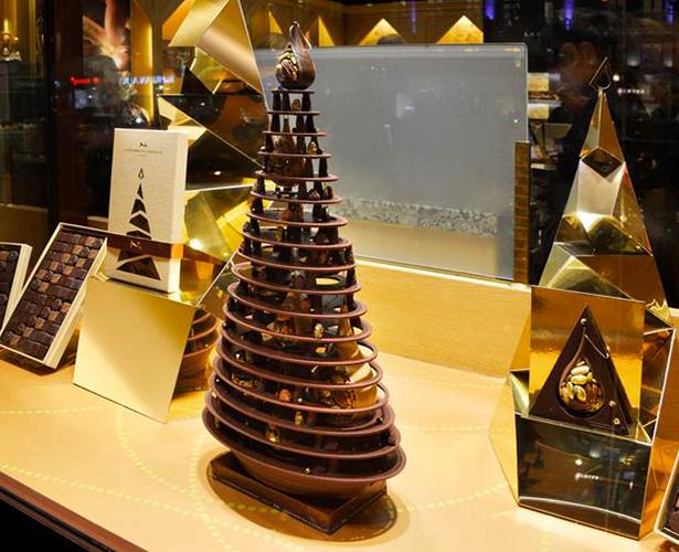 """Résultat de recherche d'images pour """"vitrine chocolaterie fete lumières"""""""