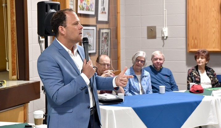 St. Catharines Mayor Walter Sendzik updates seniors on successes