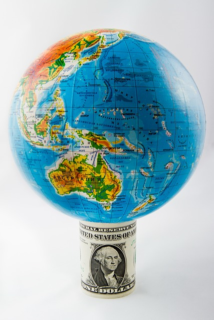 Picture: Globe, earth, money, dollar-banknote