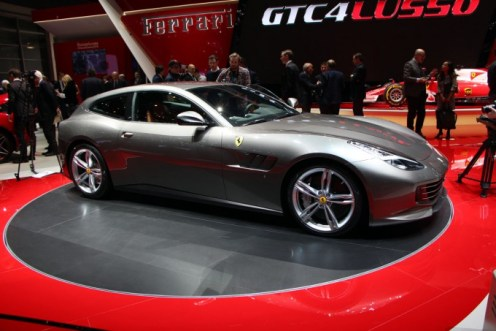 Ferrari-GTC4-Lusso-6-680x453