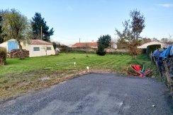 LA GARNACHE. Exclusivité SIA Terrain à batir non viabilisé de 1251 M2 à La Garnache - Eliot Immobilier Challans
