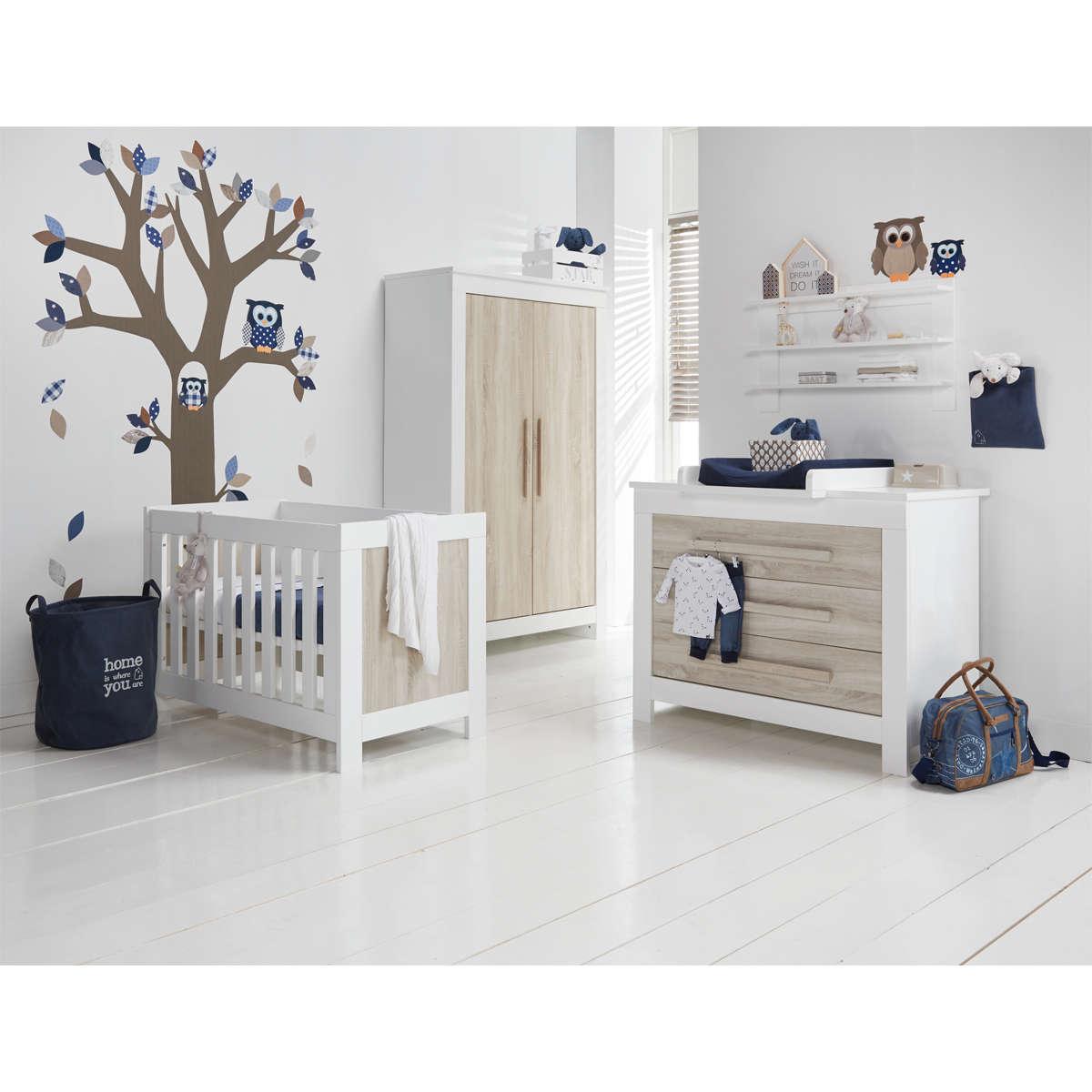 armoire bebe but destine chambre bebe