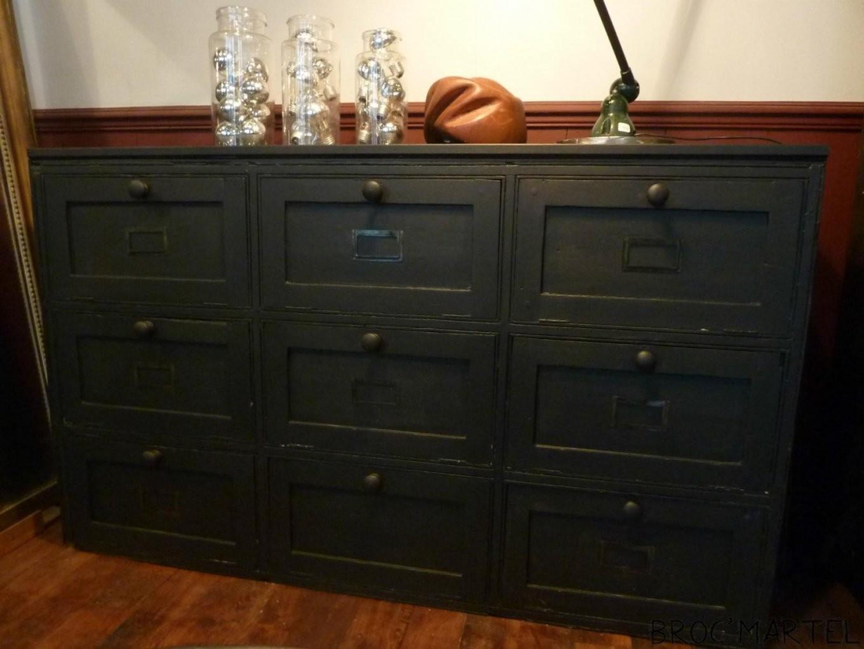 meuble en bois noir peinture pour