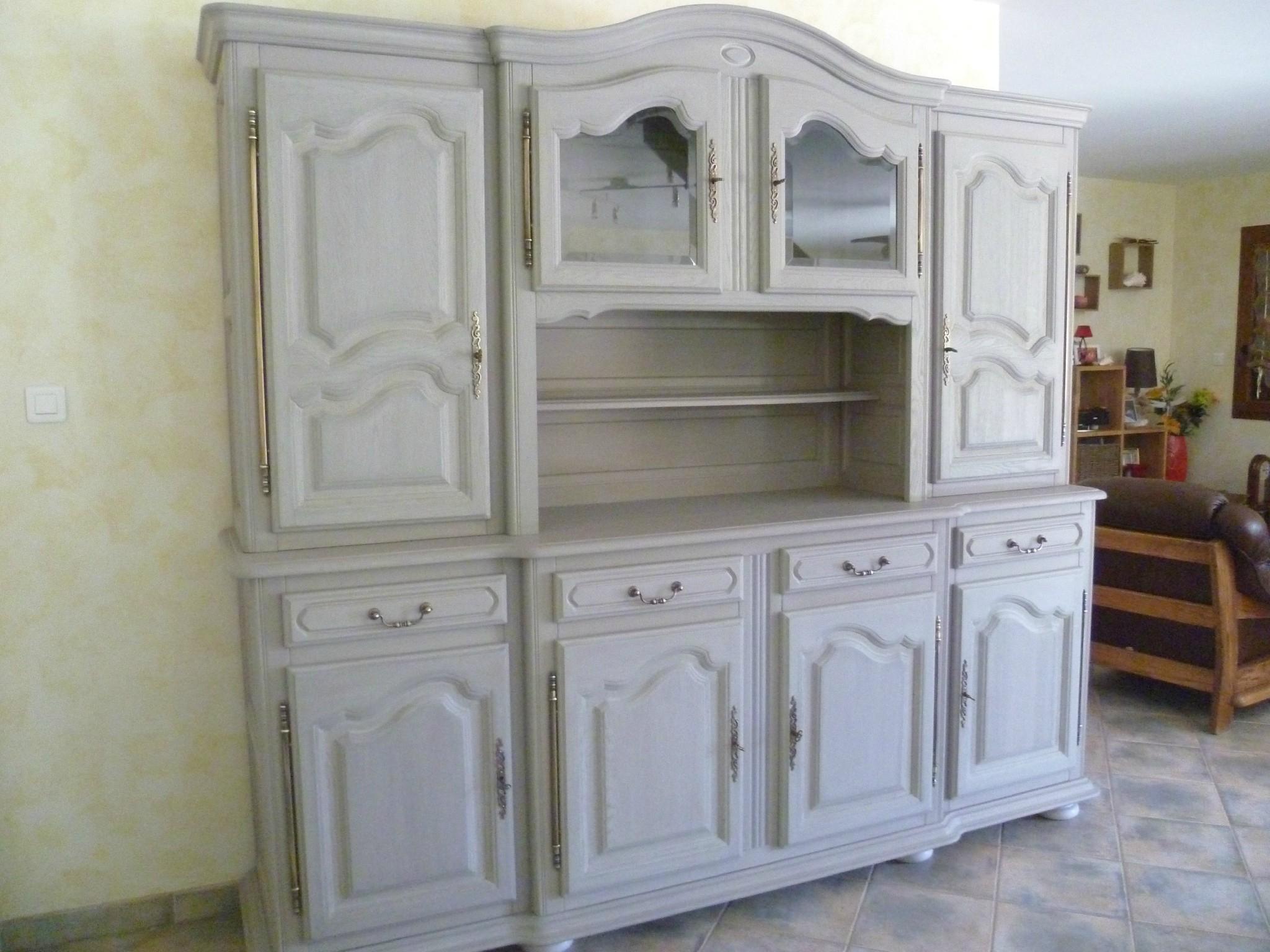 repeindre un meuble en bois verni
