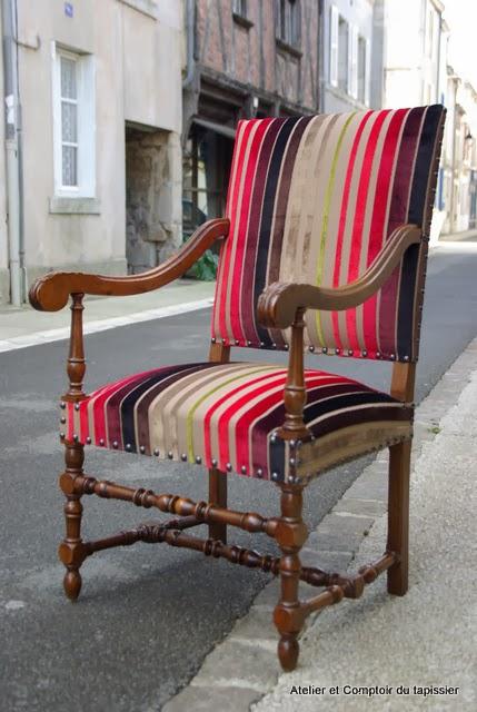 fauteuil de style louis xiii avec tissu
