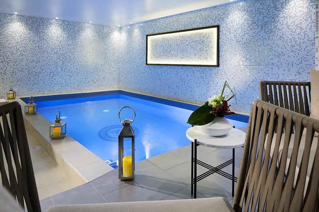 Chambre D Hotel Avec Spa Jacuzzi Privatif A Paris A Airbnb Avec Jacuzzi Privatif Paris Agencecormierdelauniere Com Agencecormierdelauniere Com