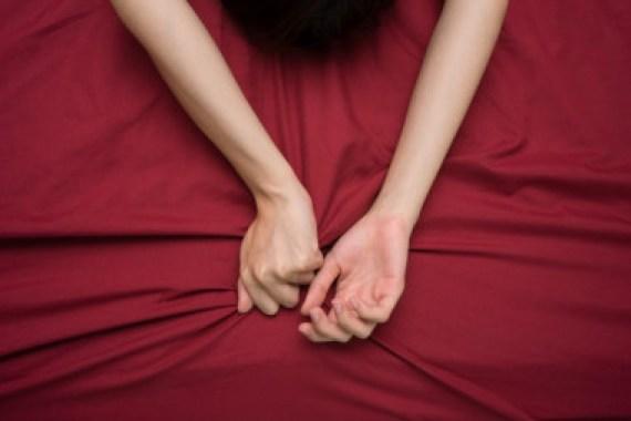 <p>El orgasmo femenino puede ser un vestigio de la función que tenía en nuestras antepasadas como desencadenante de la ovulación. Imagen: Fotolia</p>