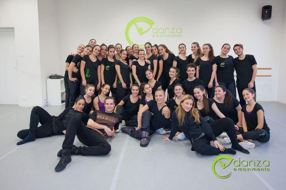 """Gli allievi della scuola """"Danza e Movimento"""" diretta da Valentina Pirone"""