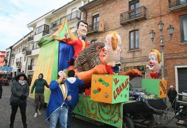 I carri del Carnevale di Castelvetere su Calore
