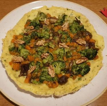 Sformato di patate, broccolo, zucca, porcini e noci