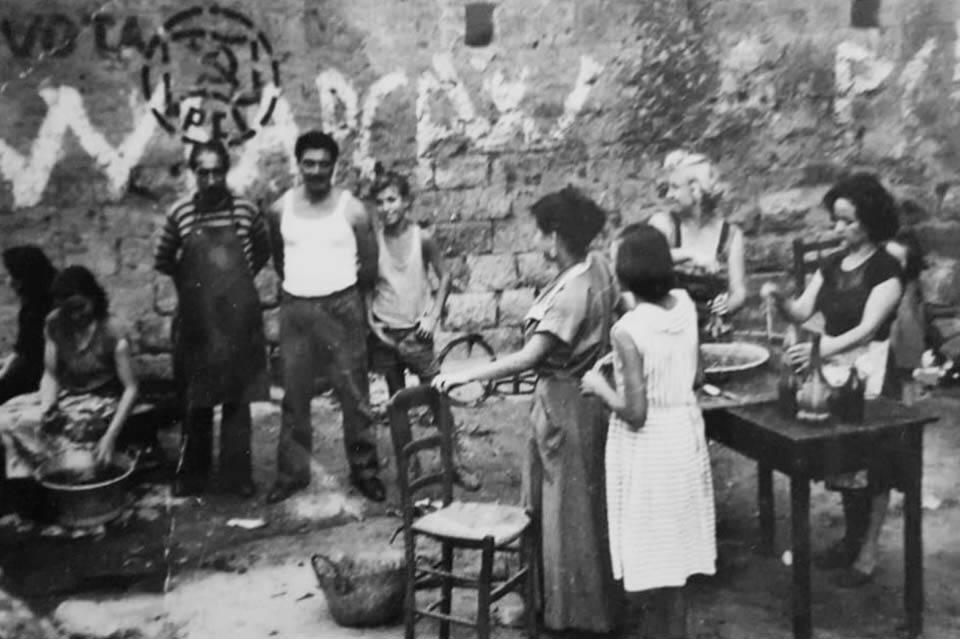 Avellino anni 50, preparazione casalinga delle conserve di pomodoro