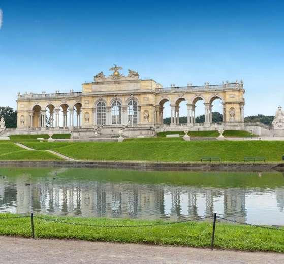 Il castello di Schonbrunn a Vienna