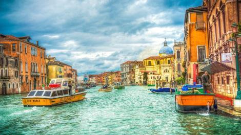 La Laguna di Venezia è nella Lista del Patrimonio Mondiale per l'unicità e singolarità del patrimonio storico,archeologico ed urbano.