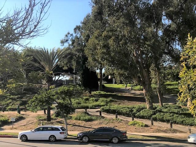 6124 Buckingham Pkwy., #202, Culver City, CA 90230