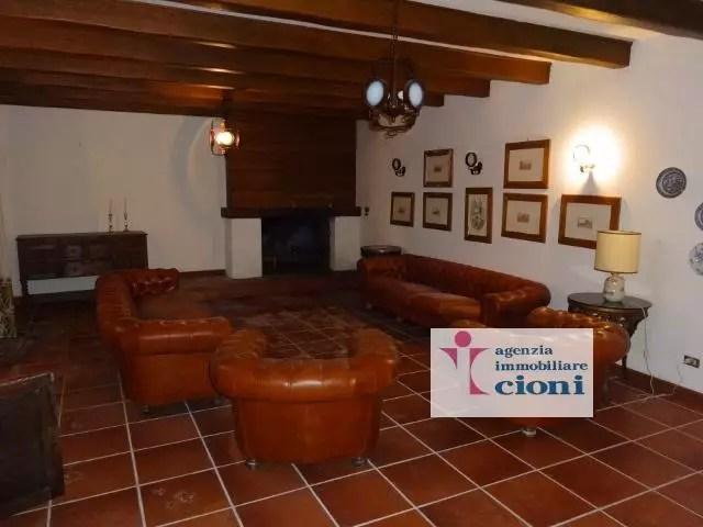 Villa Abetone Via Bagatti Mq 450 Dieci Locali (1)