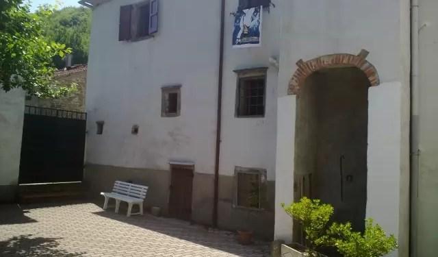 Villa Bifamiliare Terra Tetto Le Piastre Mq 360