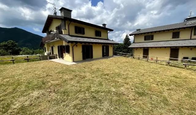 Villetta Bifamiliare Fiumalbo La Valle Mq 120 Terratetto Giardino Mq 400
