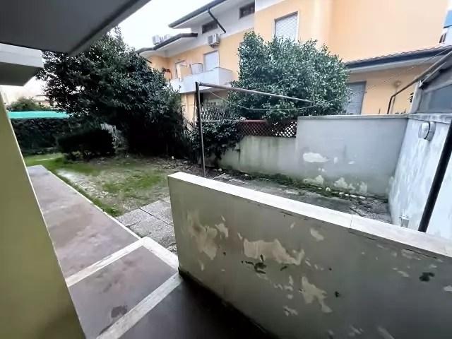 Trilocale Viareggio Terminetto Mq 66 Piano Terra Giardino Mq 100 Parcheggio Privato (28)