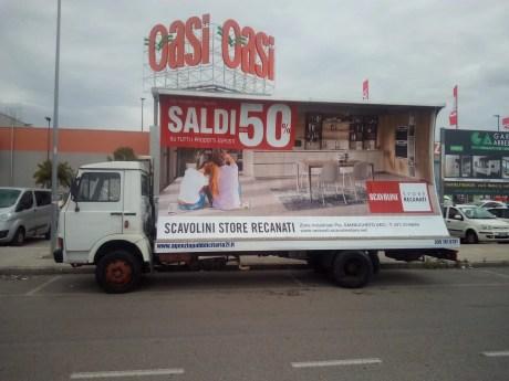 Pubblicità con camion vela 6x3 Loreto