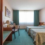 Soggiorno sul Garda + Gardaland Hotel KRYSTAL 10