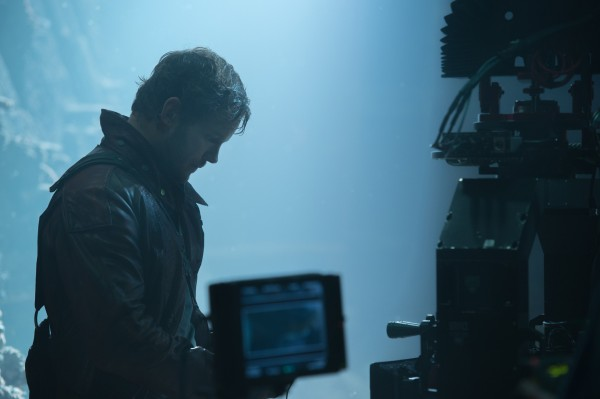 Official-Guardians-of-the-Galaxy-Set-Photo-Peter-Quill-Orb