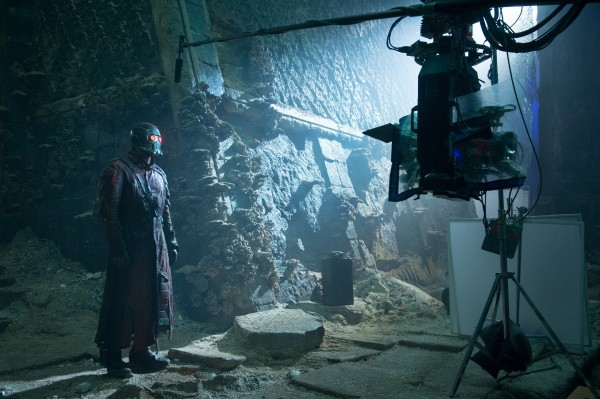 Official-Guardians-of-the-Galaxy-Set-Photo-Star-Lord-Temple