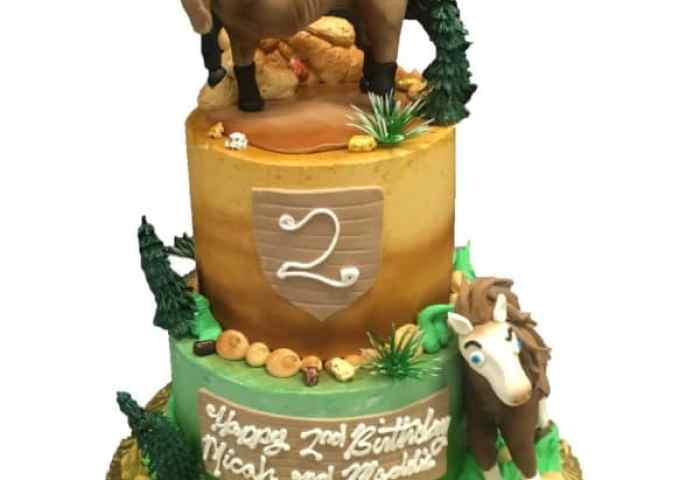 3d Cake Fondant Horses Two Tier Aggies Bakery Cake Shop