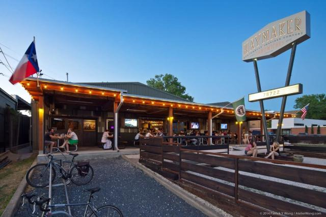 11 Best Austin Sports Bars with TVs to Catch the Game ...