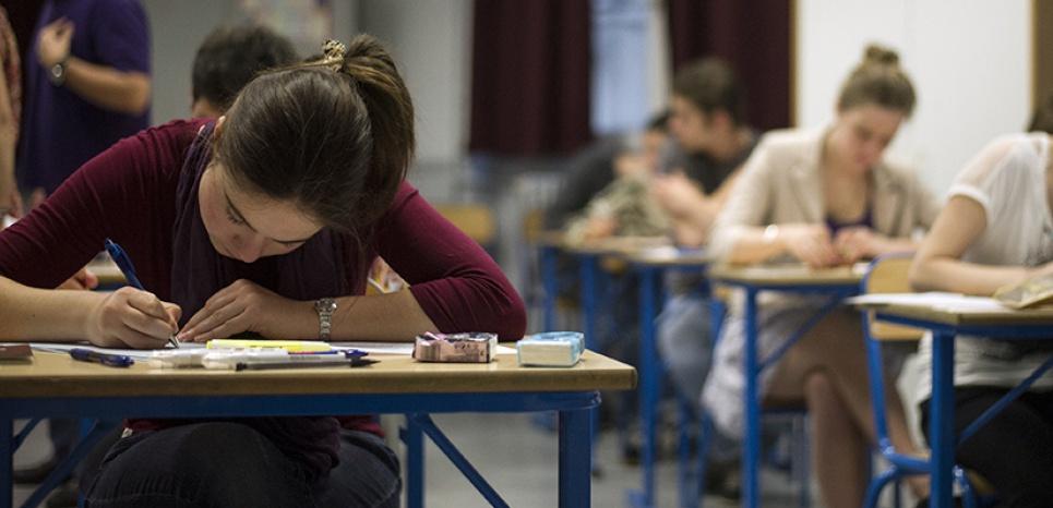 Seine-et-Marne : Une ado expulsée de son lycée à cause de sa robe jugée trop longue