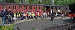 Vändskivan i Gräfsnäs med skolbarn. Foto: René Pabst