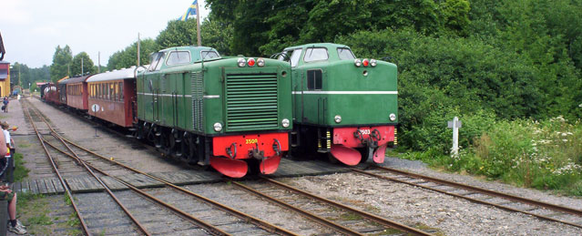 Tp 3500 och Tp 3503 i Anten. Foto: Stefan Lindberg