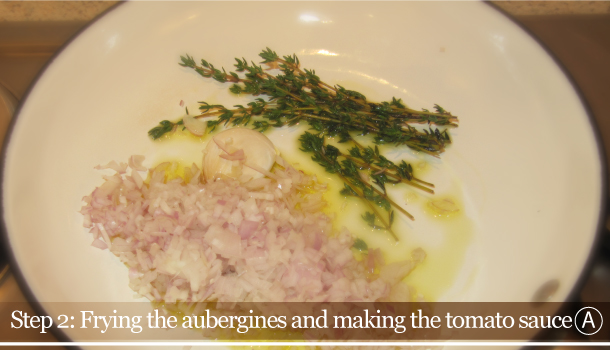 Parmigiana di Melanzane - Aubergine Parmigiana Pie - How to - step 2A - Frying the aubergines and making the tomato sauce