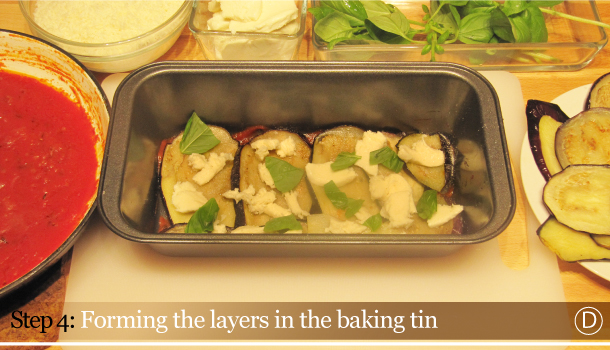 Parmigiana di Melanzane - Aubergine Parmigiana Pie - How to - step 4D - Forming the layers in the baking tin