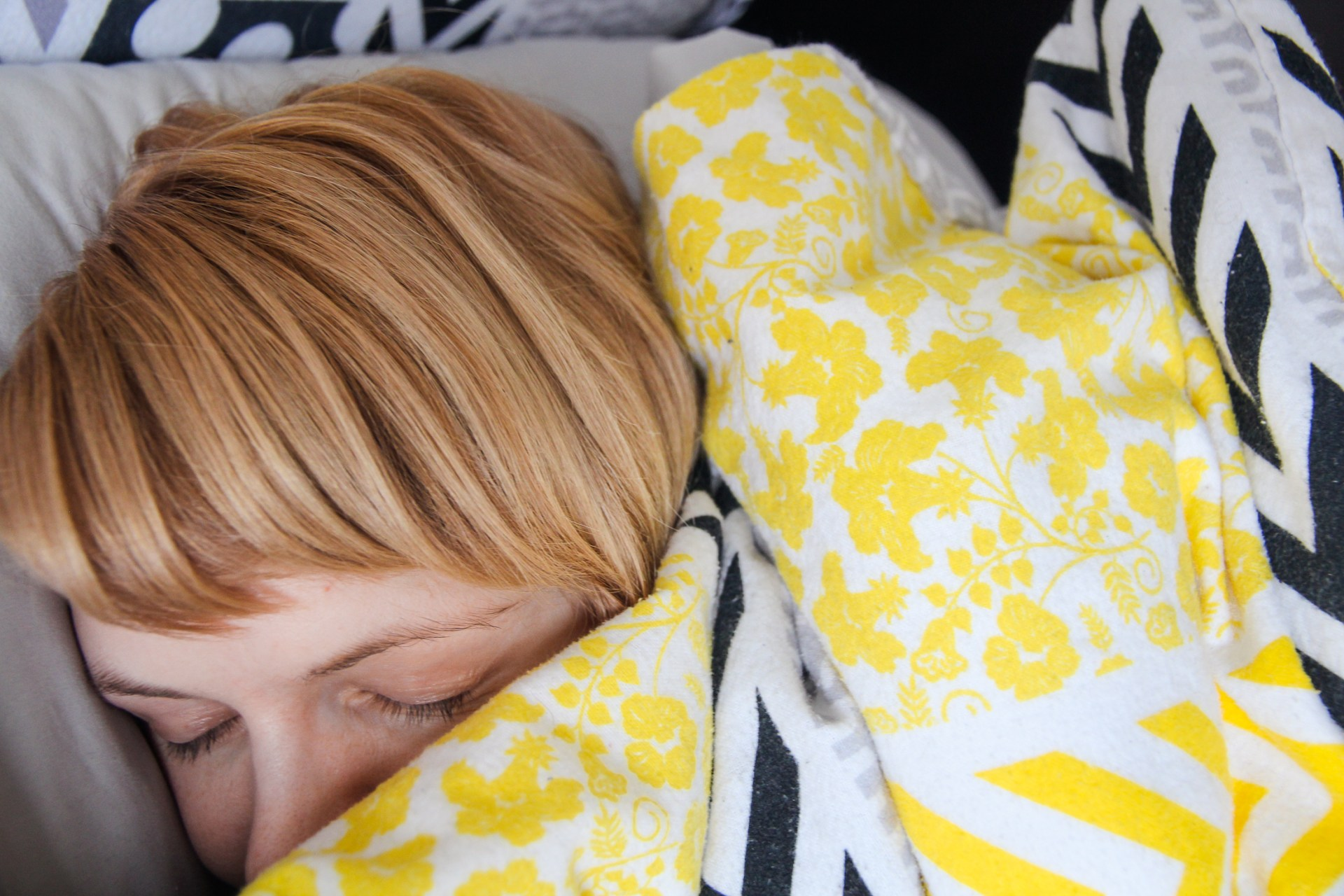 Foolproof ways to block out noise and get sleep