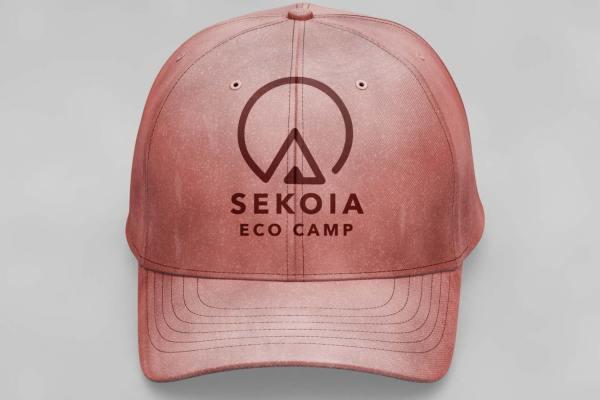 Reproduction de l'identité visuelle de SEKOIA Eco camp sur une casquette