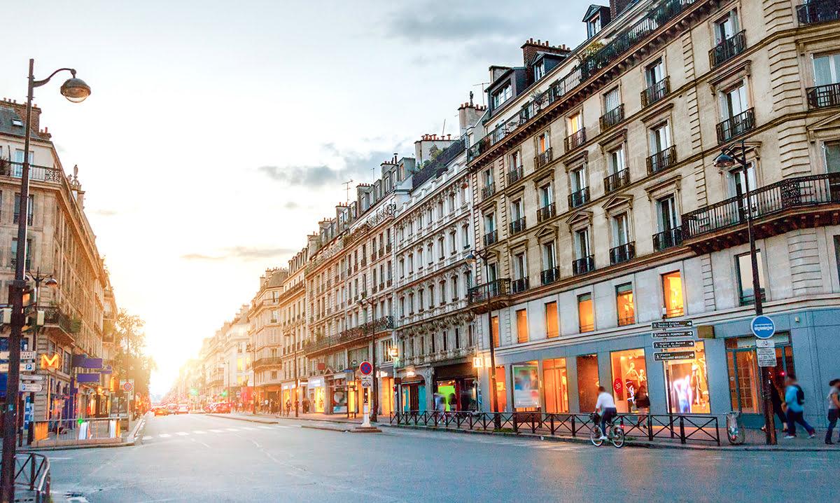 Paris shopping-France-Rue de Rivoli