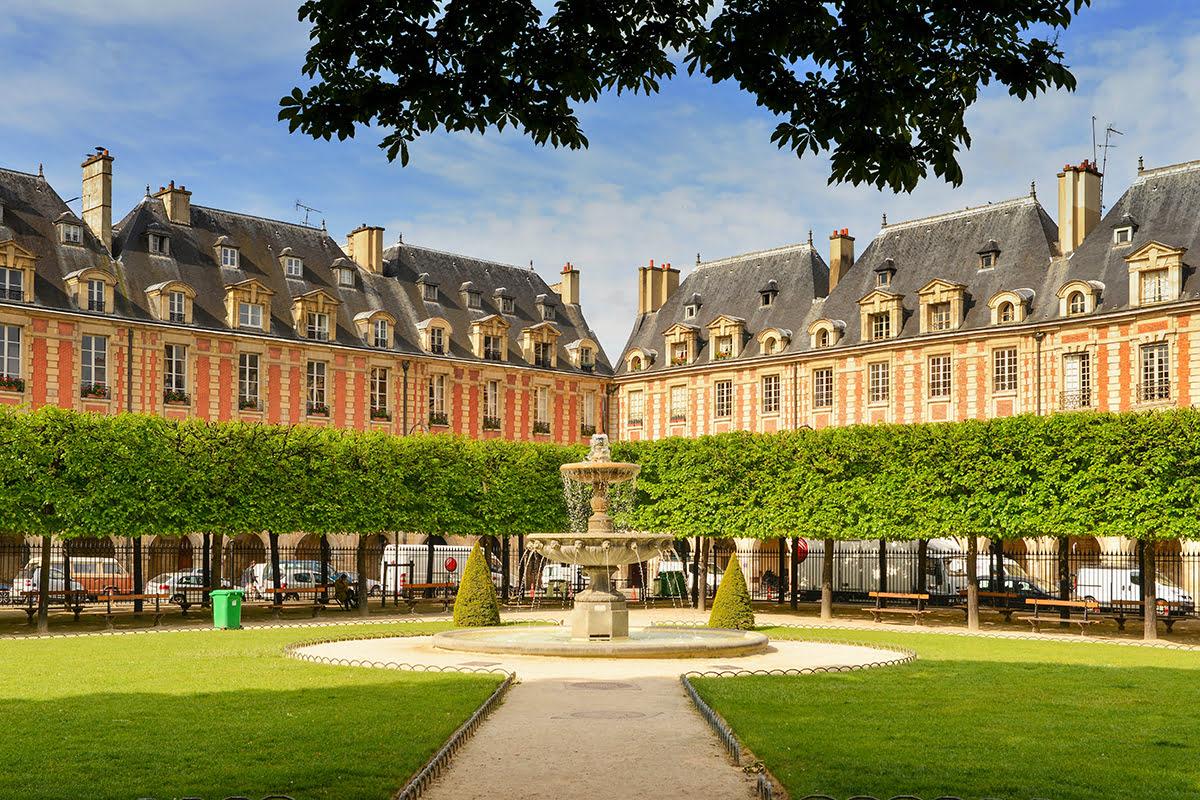 Marais-things to do-Paris-France-The Places des Vosges