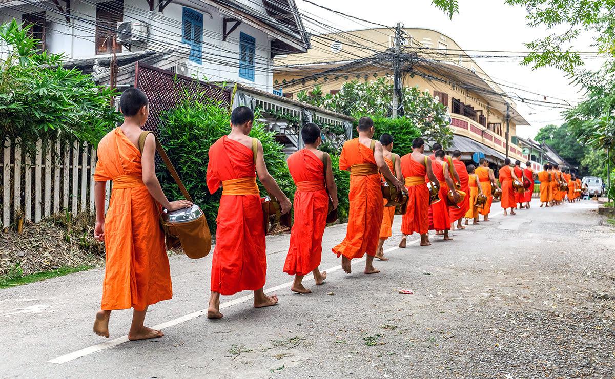 Things to do in Luang Prabang-Laos-Morning alms-sai bat
