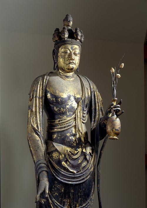 https://www.agoda.com/wp-content/uploads/2019/08/Nara-temples-Shaka-Nyorai.jpg