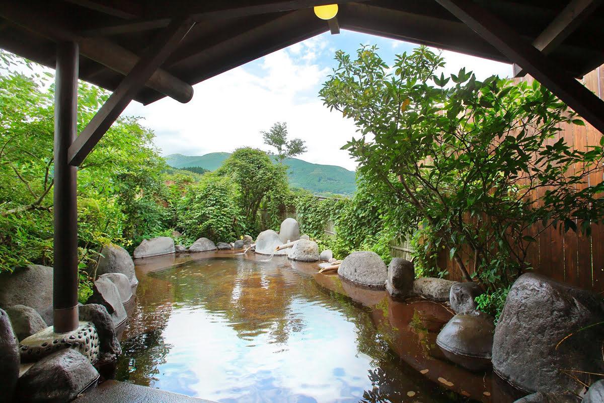 Hotels in Kyushu-things to do-Japan-Yufuin Sankouen Hotel