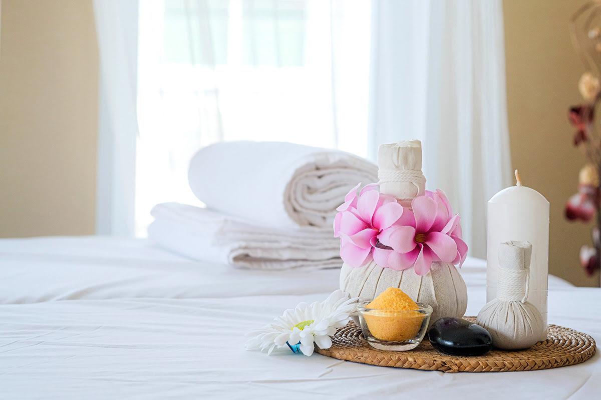 Massage in Bangkok-Thailand-Away Spa-COMO