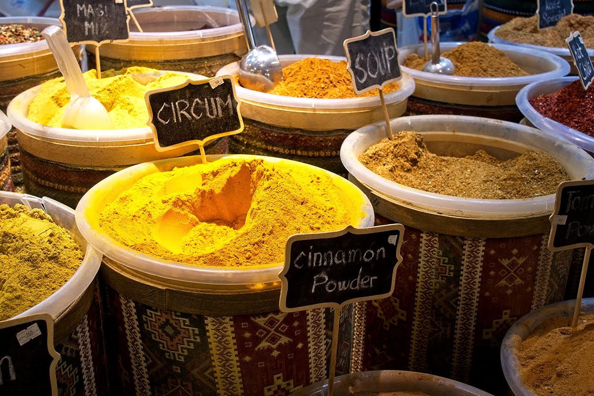 Shopping in Dubai-UAE-Dubai Flea Market