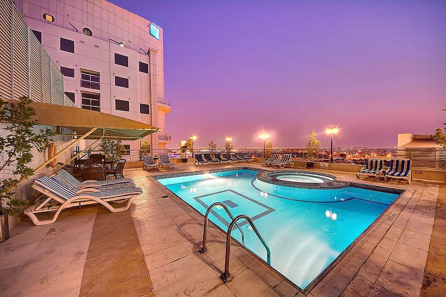 Hotels in Dubai-Mall of the Emirates-shopping-UAE-Grandeur Hotel