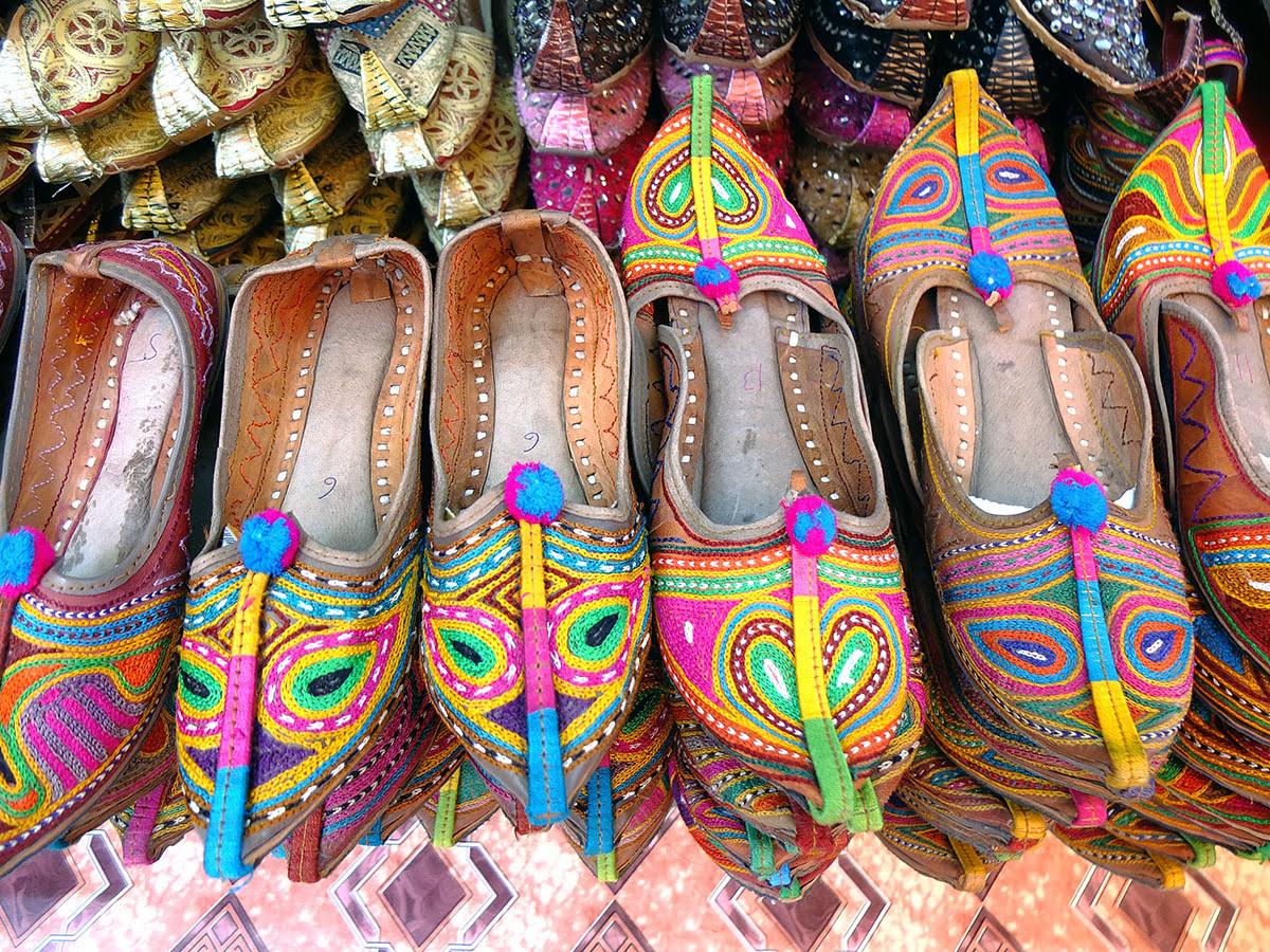 Shopping in Dubai-UAE-Persian goods-souvenirs