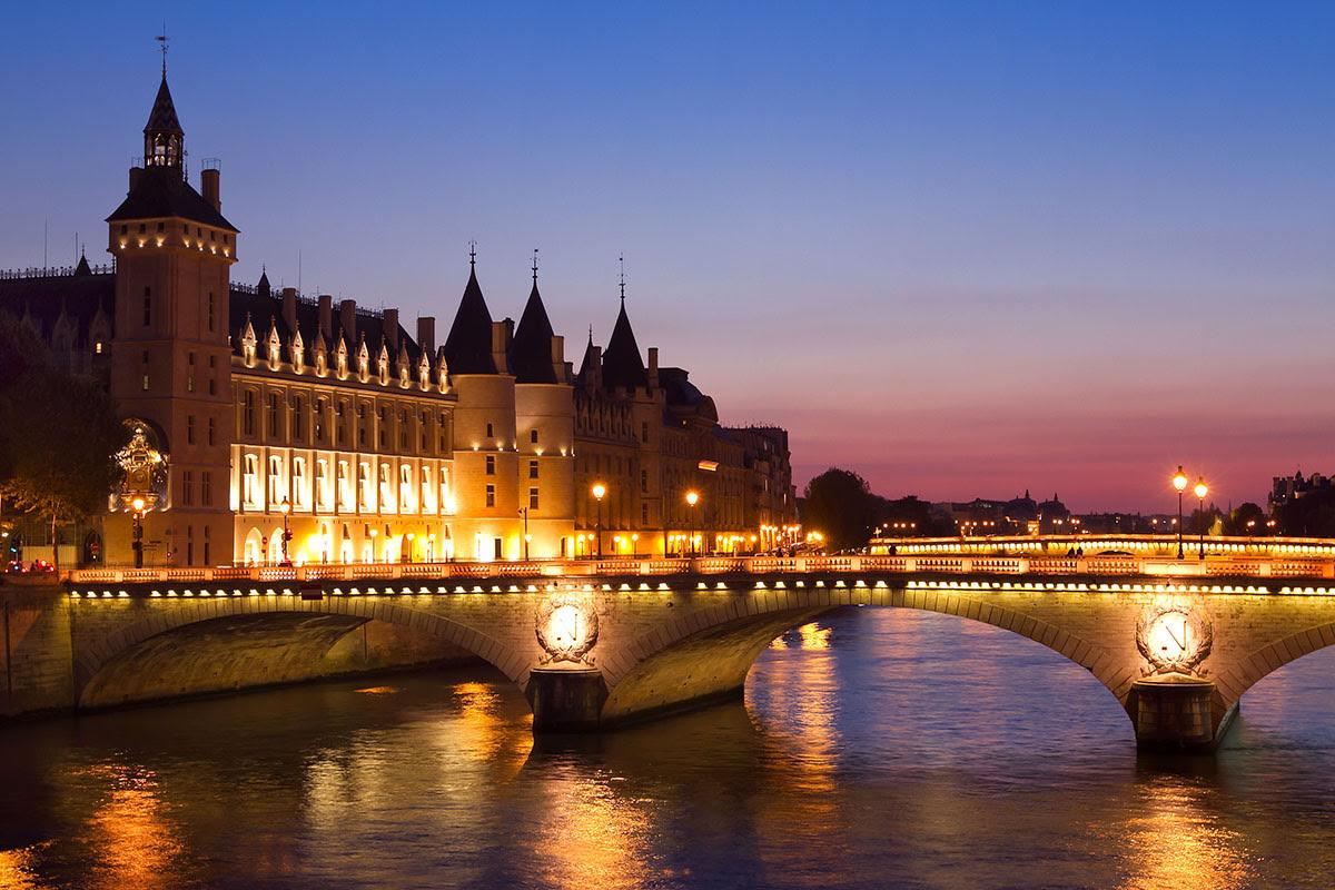 Best graduation trips-cheap summer vacations-the Seine-Paris-France