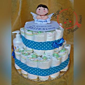 Torta di pannolini con cake topper in pannolenci.