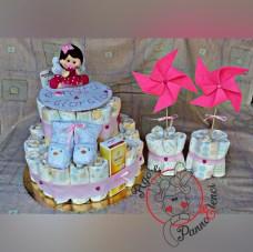 torta di pannolini con cake topper e girandole