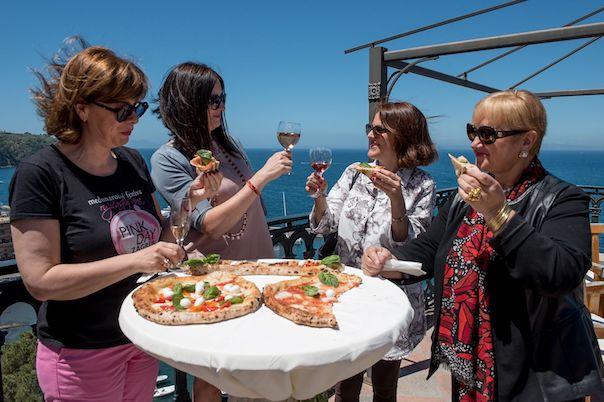 Rosato, pizza e Donne del Vino: la scommessa di Sorrento Rosè